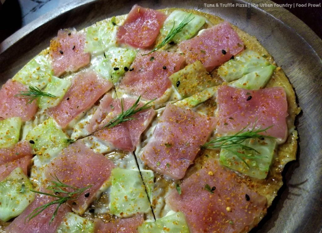 29 Tuna Pizza